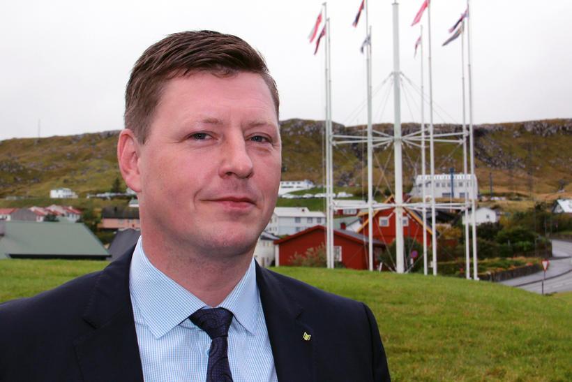 Höskuldur Þórhallsson.