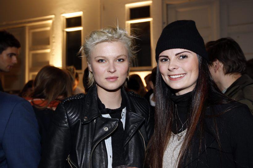 Matthildur Matthíasdóttir og Marta Matthíasdóttir.