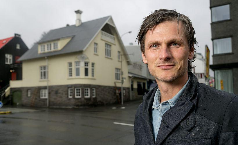 Pétur Marteinsson hefur unnið að hugmyndum um stækkun Laugardalsvallar í ...