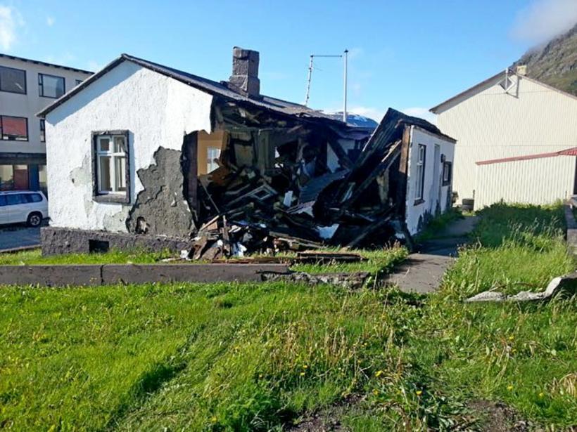 Húsið að Aðalstræti 16 í Bolungarvík er mjög illa farið. …