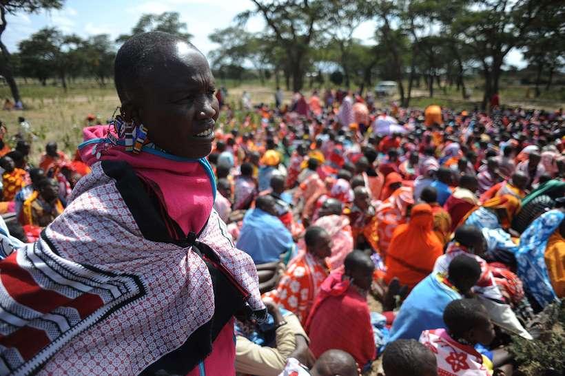 Frá fjöldafundi Maasai-kvenna í Enkorika, Kajiado, í Kenýa um kynfæralimlestingar. ...