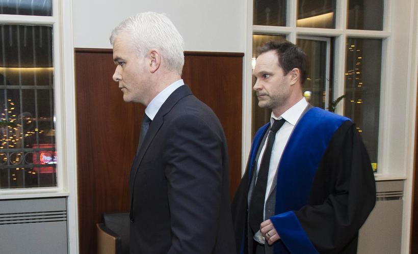Lárus Welding ásamt Óttari Pálssyni, verjanda sínum.
