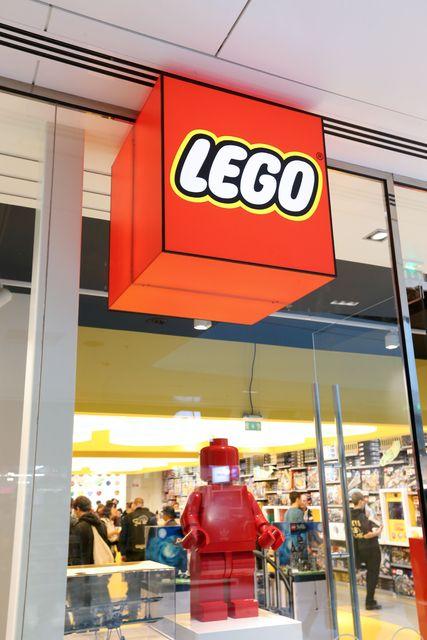 Lego hættir tímabundið að auglýsa á samfélagsmiðlum