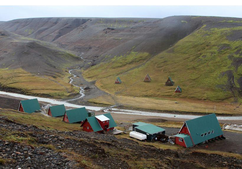Ferðamannastaðir í Kerlingarfjöllum eru sagðir strax nóta góðs af jarðstrengnum.