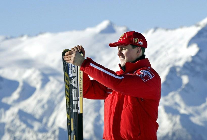 Michael Schumacher lenti í skelfilegu skíðaslysi í desember 2013.