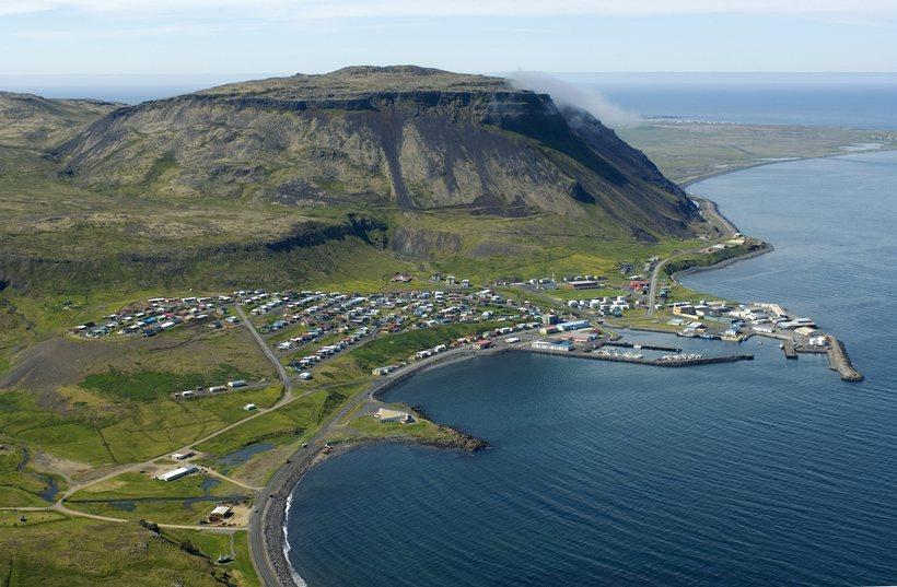Ólafsvík séð til vesturs,