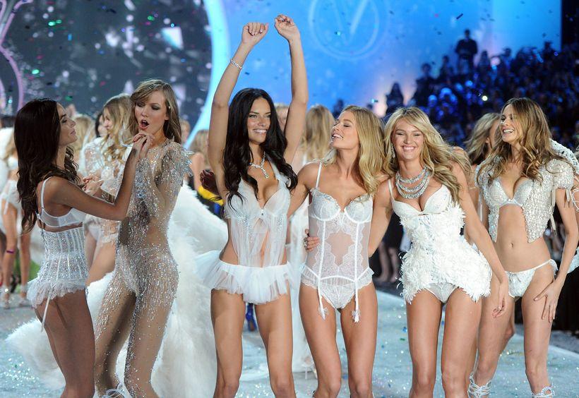 undirföt eru í aðalhlutverki á tískusýningum Victoria's Secret.