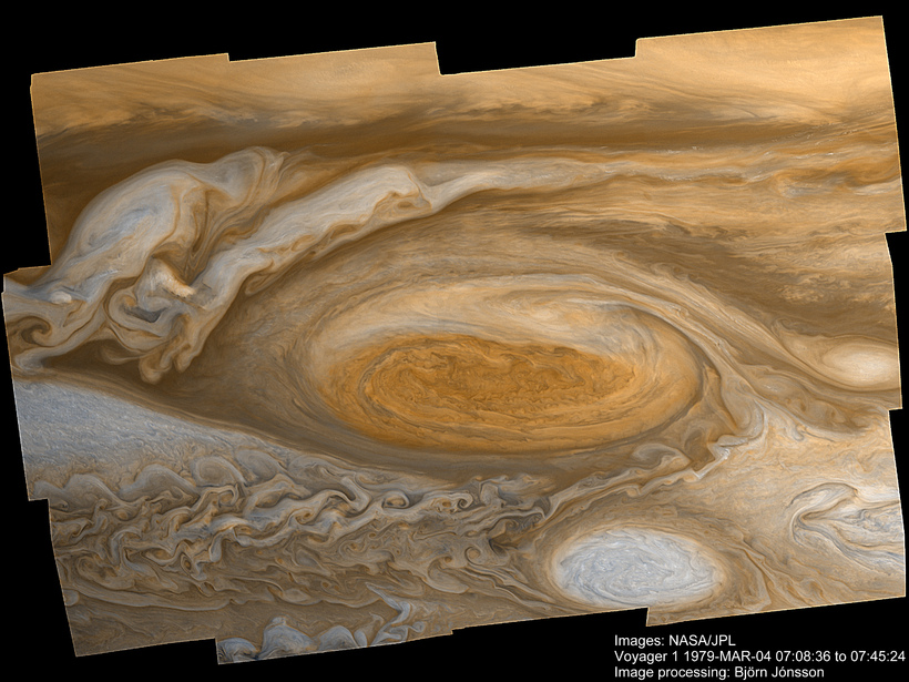 Mynd Voyager 1 af stóra rauða blettinum sem Björn vann …