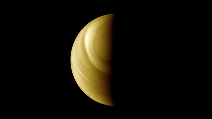 Mynd af Venusi sem sett var saman úr myndum sem …