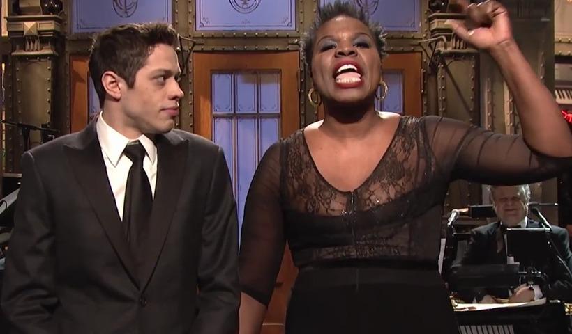 Pete Davidson kemur fram í grínþáttunum Saturday Night Live.