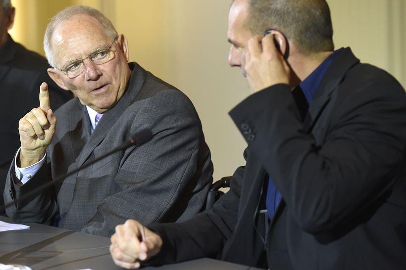 Wolfgang Schaeuble og Yanis Varoufakis hafa átt erfitt með að ...