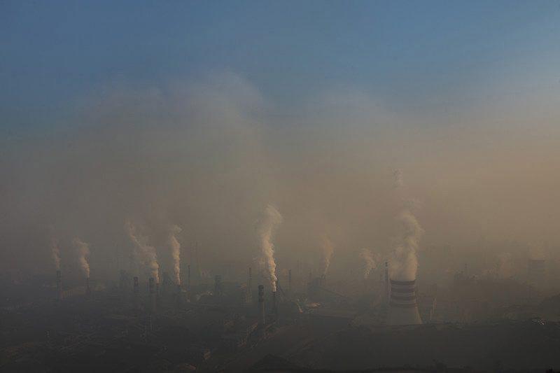 Kína losar lang mestan koltvísýring í heiminum.