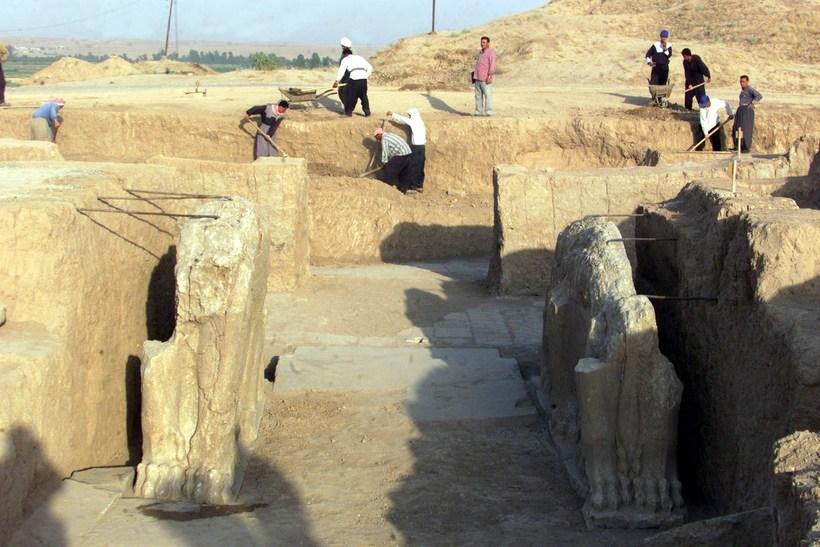 Mynd frá Nimrud sem tekin er í júlí árið 2001.