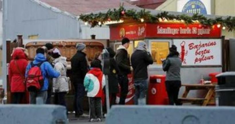 The main BBP hot-dog stand in central Reykjavik.