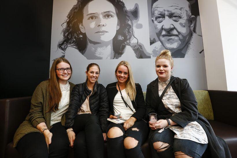 Rebekka Guðmundsdóttir, Ásrún Lilja Birgisdóttir, Svanborg María Guðmundsdóttir og Hulda ...