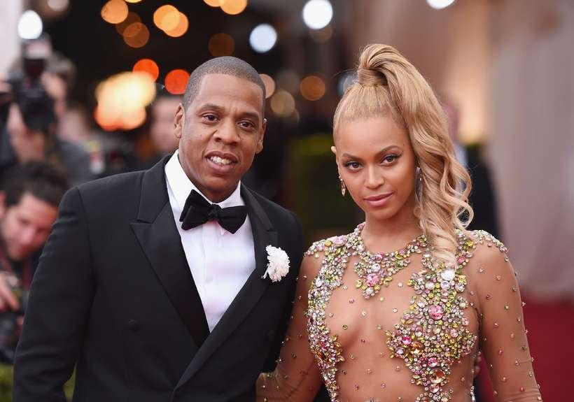 Jay-Z hefur trú á nýja klifurtækinu. Hér er hann með …