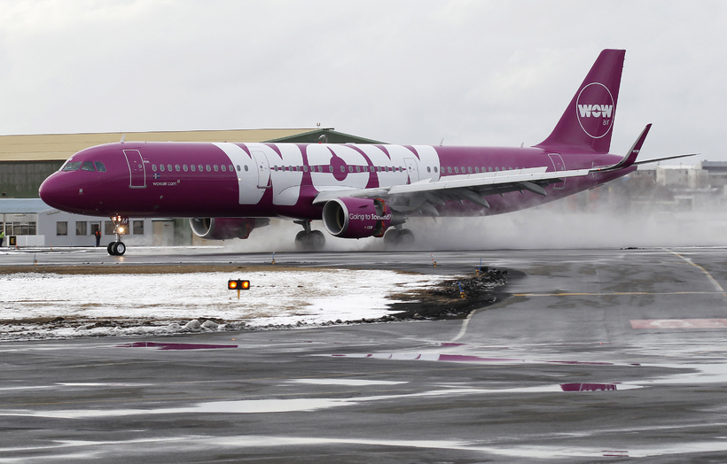 The crowd cheered and wow-ed as the new Airbus touched …