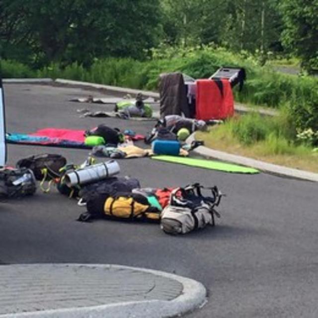 Jóna Dís Bragadóttir spotted thirty tourists camping on a parking …