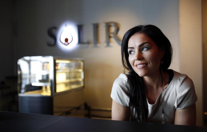 Sólveig Þórarinsdóttir worked at Landsbankinn bank as a broker for ...