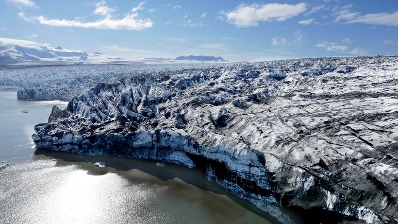 The icebergs that break off Breiðamerkurjökull into the lagoon are …