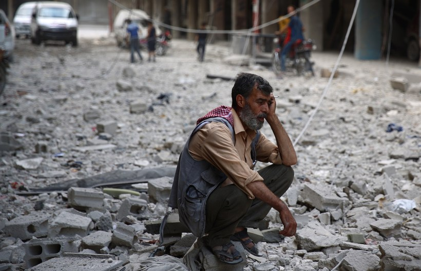Eyðileggingin blasir við í Douma, austur af Damaskus