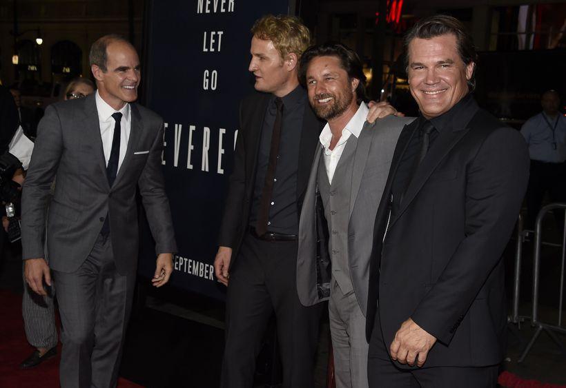 Michael Kelly, Jason Clarke, Martin Henderson og Josh Brolin.