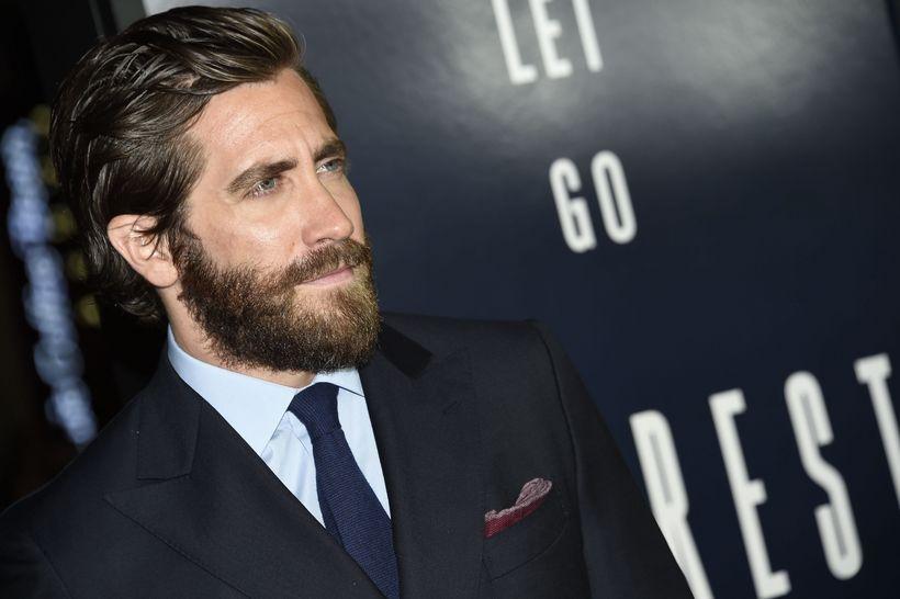 Jake Gyllenhaal er hryllilega myndarlegur með þetta skegg og þetta …