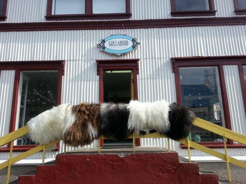 The popular Gullabúið shop.