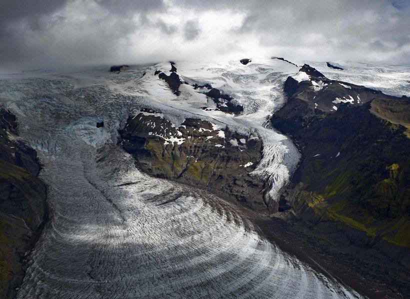 Svínafellsjökull forms part of Vatnajökull glacier.