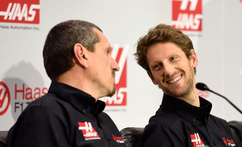 Romain Grosjean (t.h.) og liðsstjóri Haas-liðsins, Gunther Steiner.