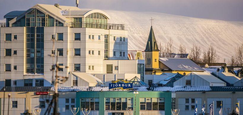 Bæjarráð Hafnarfjarðar hefur ákveðið að skipta út dekkjakurlinu.