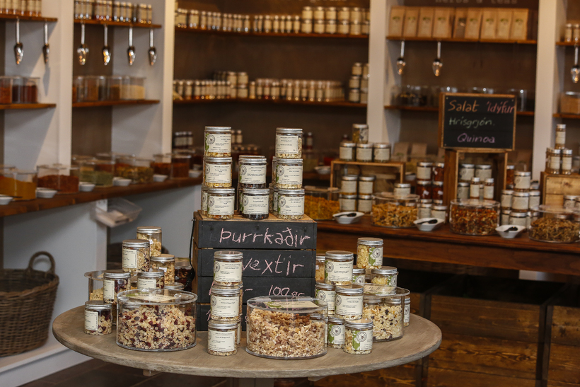 Also on offer are all kinds of dried fruit, nuts …