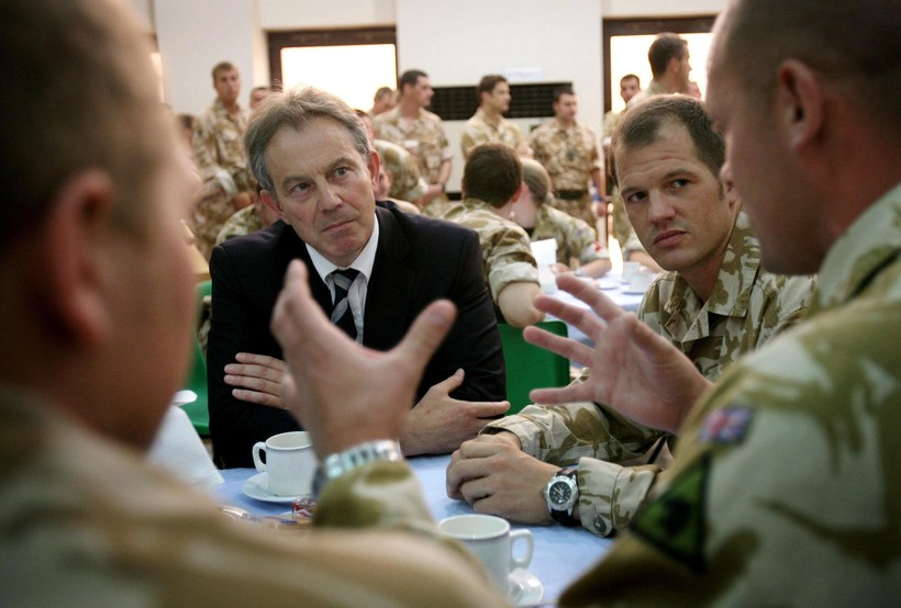 UK Prime Minister Tony Blair speaking to British soldiers in ...