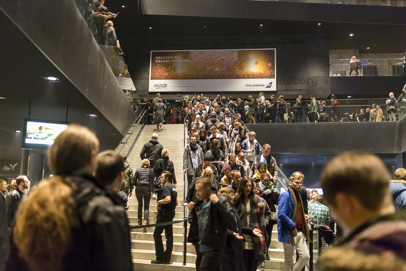 Crowds at Harpa last night.