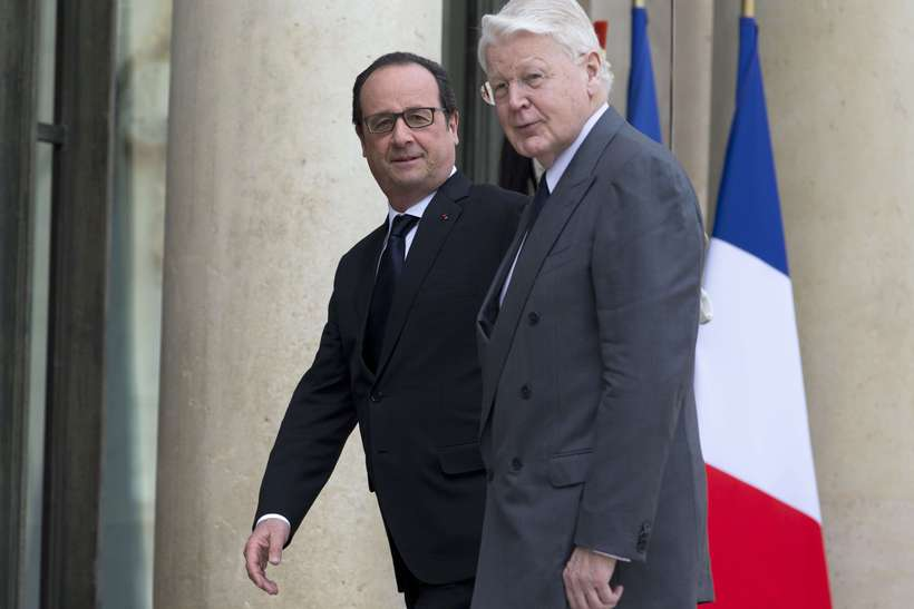 Grímsson with French President François Hollande.