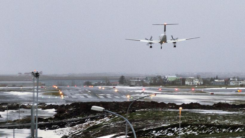 Frá Reykjavíkurflugvelli.