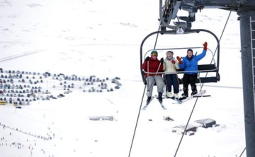 The chairlift in Bláfjöll, the blue mountains, is called Kóngurinn ...