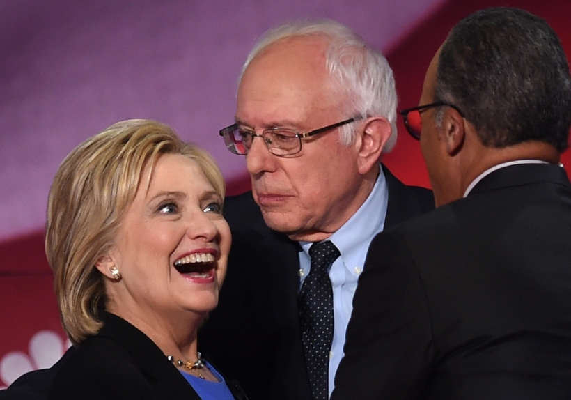 Sanders ásamt sínum helsta keppinaut, Hillary Clinton.