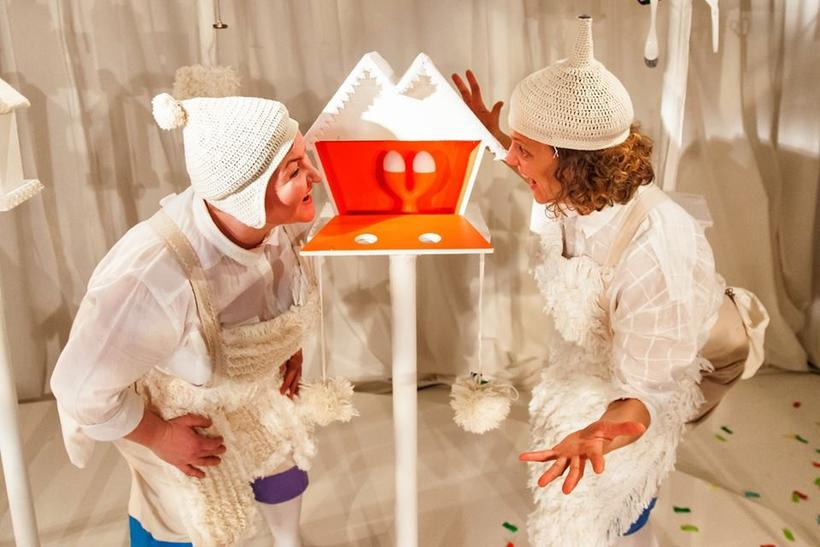 HVÍTT is a playful and highly visual show for children ...