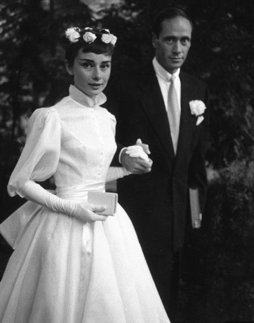 Leikkonan Audrey Hepburn gekk að eiga Mel Ferrer 24. september …