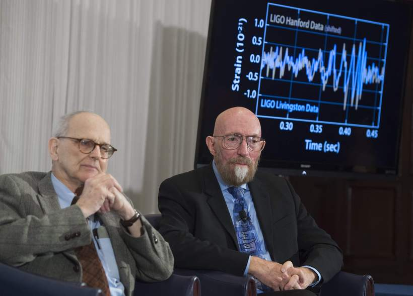 Kip Thorne (h), and Rainer Weiss (v), tveir af þremur …