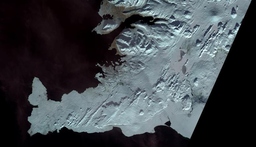 Myndin er tekin af gervitungli bandarísku geimferða- og jarðfræðistofnanna og ...
