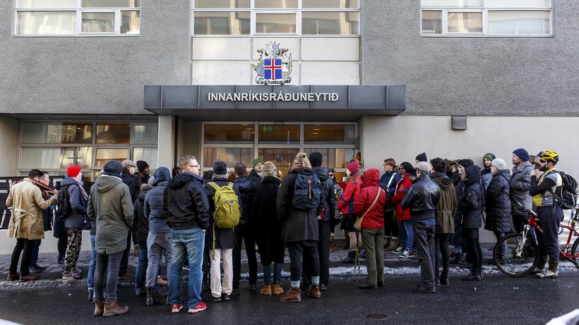 Einn flötur er á málinu til viðbótar að sögn Hjartar.