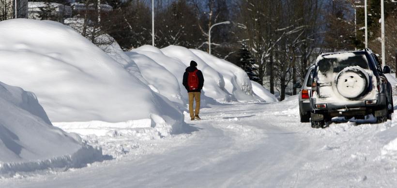 Síðan um miðjan nóvember hefur mikið snjóað á Akureyri og ...