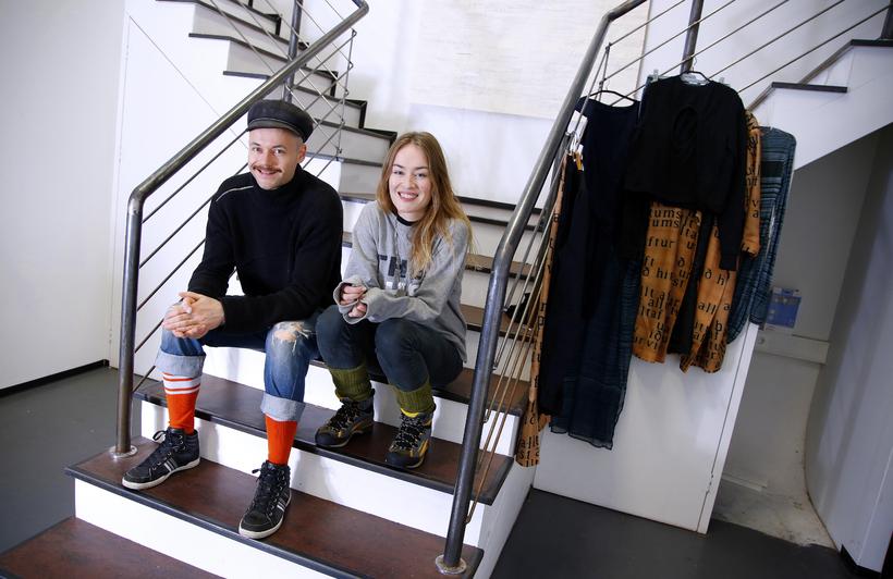 Halldór Ragnarsson og Helga Lilja Magnúsdóttir í galleríinu að Grettisgötu ...