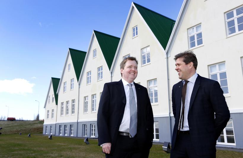 Bjarni Benediktsson (right) and Sigmundur Davíð Gunnlaugsson (left) are the …