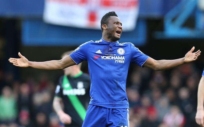 Jon Obi Mikel í leik með Chelsea.