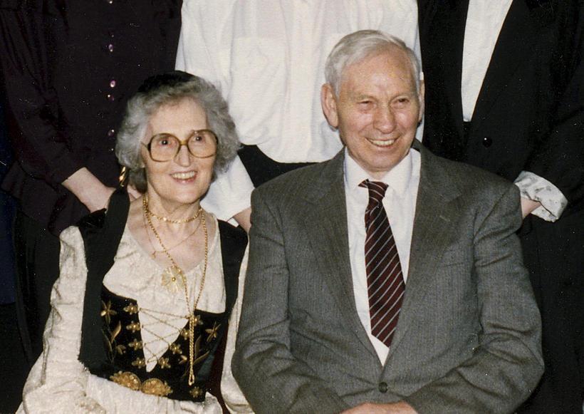 Parents Anna Ólafsdóttir and Karl Eiríksson.