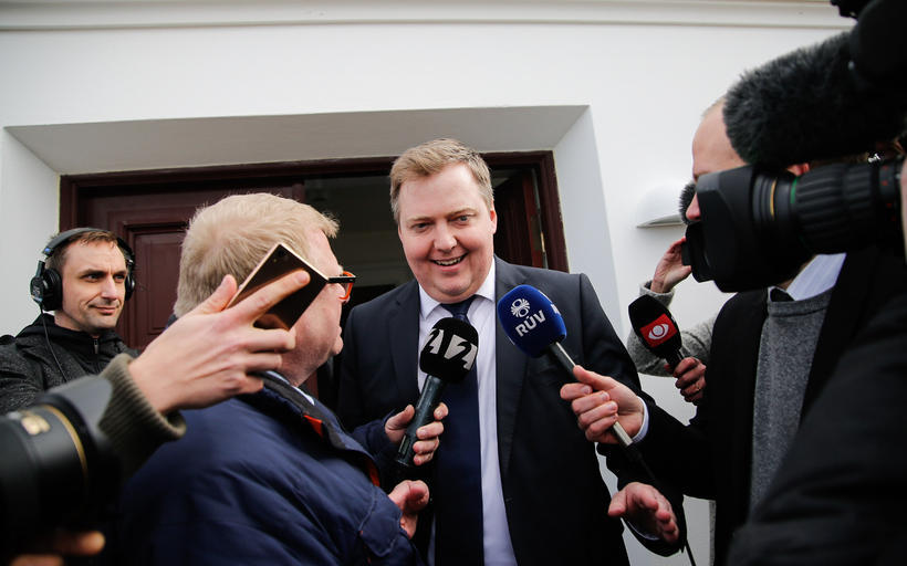 PM Gunnlaugsson emerging from his meeting with the President.