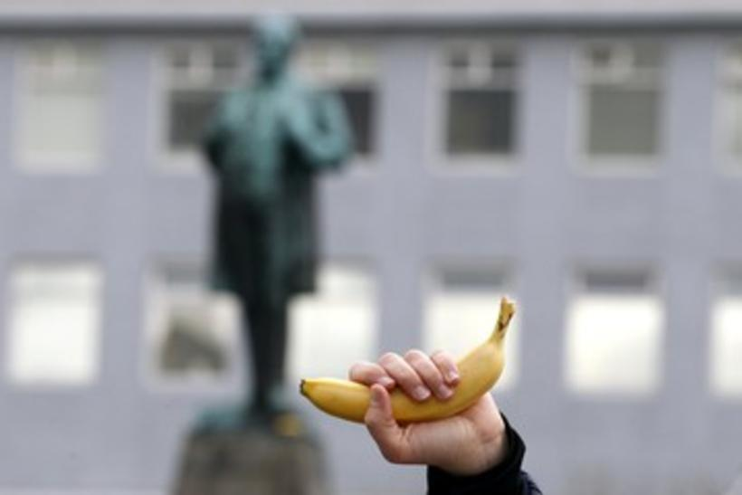 Iceland is a banana republic, according to German newspaper Süddeutsche ...